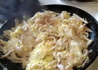 Кальмары, жареные с луком - пошаговый рецепт с фото
