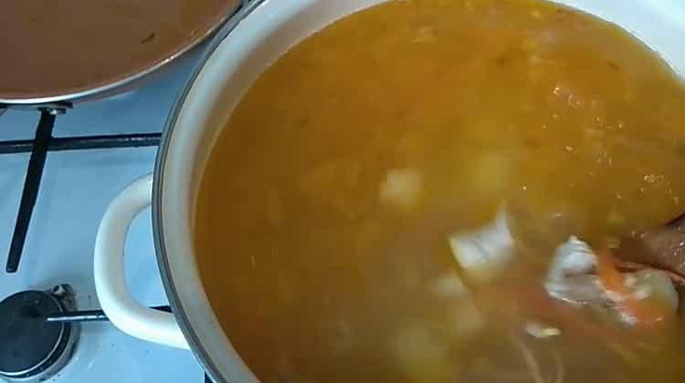 Для приготовления супа с лапшой Соедините ингредиенты