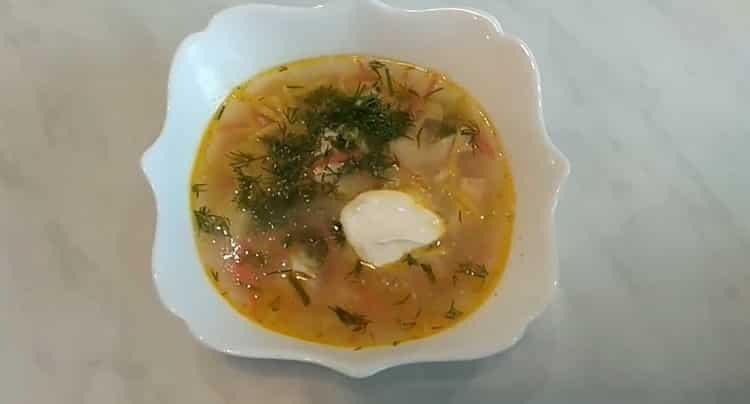 куриный суп с лапшой и картошкой готов