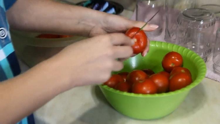 Для приготовления лечо подготовьте ингредиенты