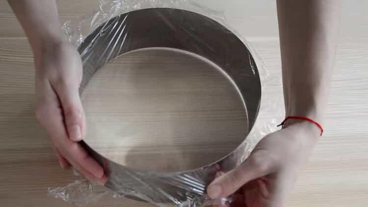 Для приготовления торта подготовьте пленку