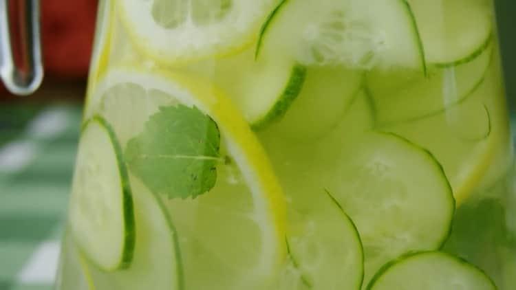 напиток для похудения с лимоном и имбирем готов