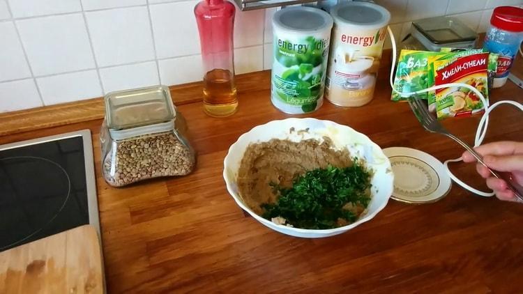 Для приготовления пюре смешайте ингредиенты
