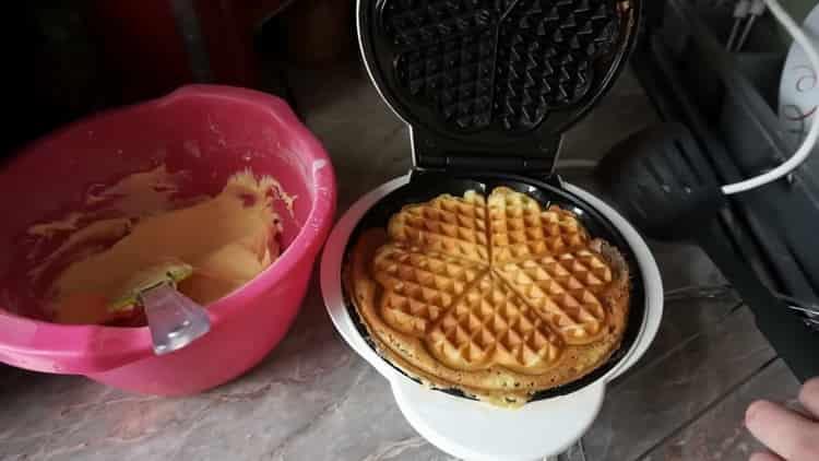 Для приготовления вафель обжарьте вафли