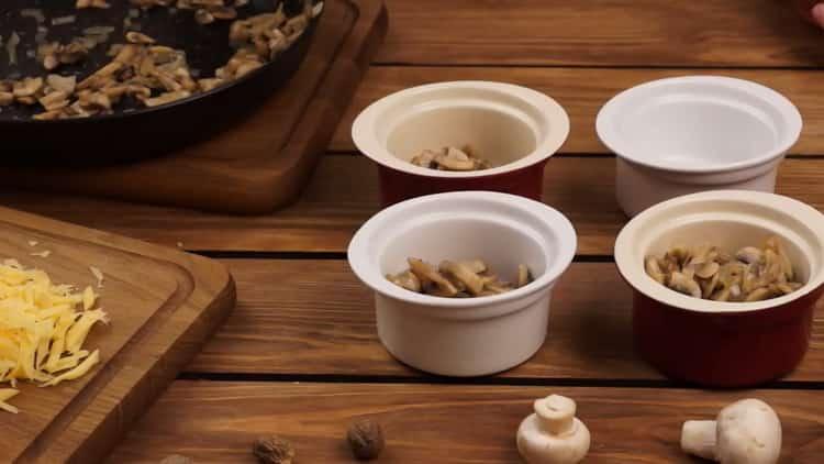 Для приготовления жкльена.подготовьте посуду