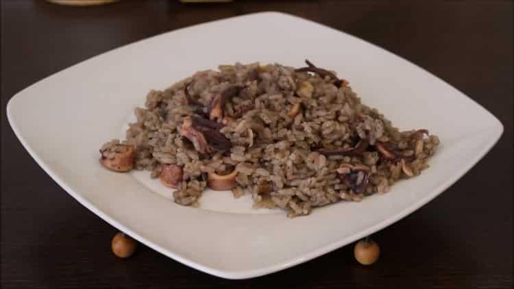 Чёрный рассыпчатый рис с кальмарами - секреты испанской кухни