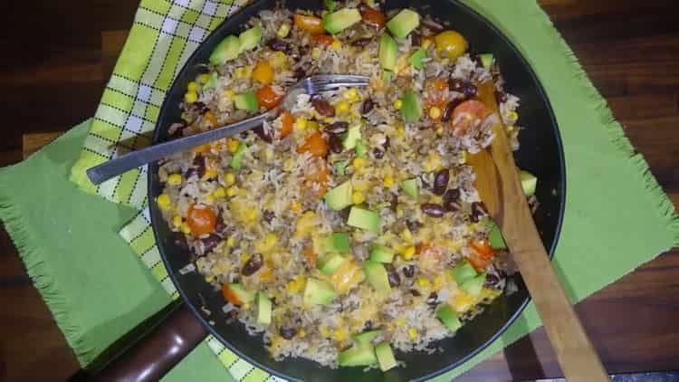 рис с фасолью готов