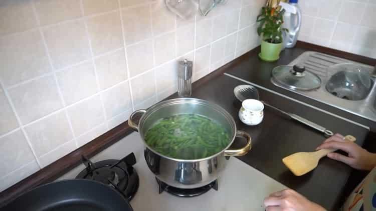 Для приготовления фасоли отварите ингредиенты