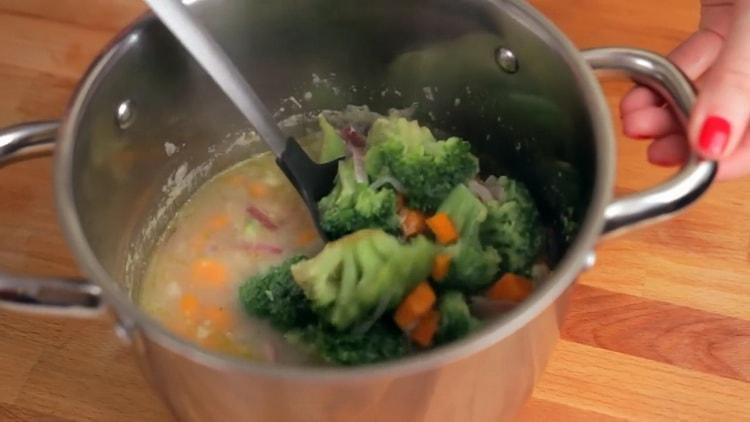 Суп-пюре из брокколи со сливками - нежный муcс с тонким сливочным ароматом
