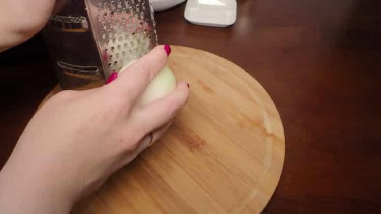 Для приготовления тефтелей подготовьте ингредиенты