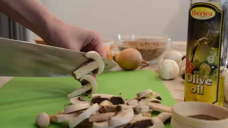 Как готовится гречка с мясом и грибами