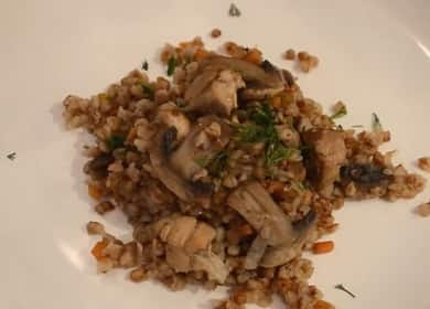 Гречка с мясом и грибами — таким обедом или ужином можно вкусно накормить всю семью 