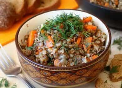 Гречка с тушенкой на сковороде — блюдо особенно придется по вкусу мужчинам и детям 🥣