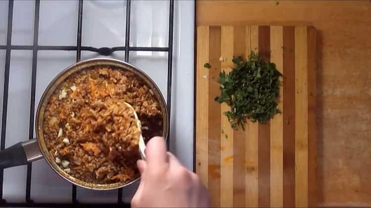 Для приготовления блюда добавьте чеснок