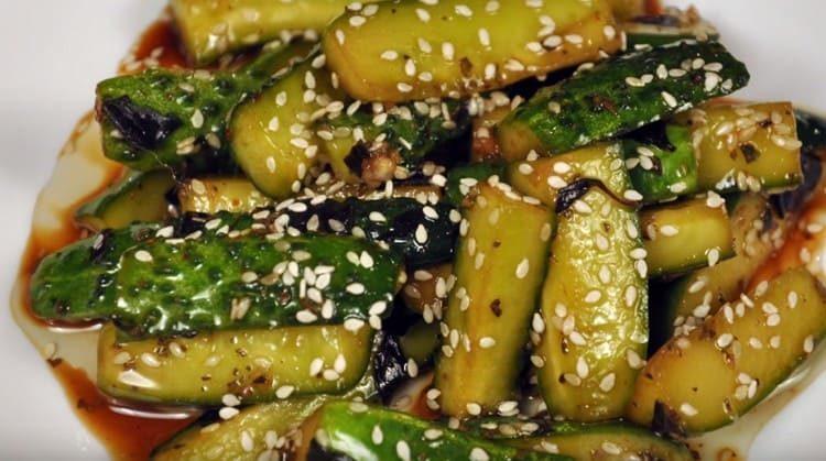 Это действительно самый вкусный рецепт приготовления жареных огурцов по-корейски.