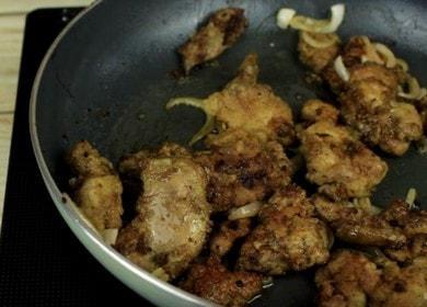 Как приготовить вкусную куриную печень на сковороде 🥩