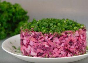 Готовим нежный салат из запеченной свеклы по пошаговому рецепту с фото.