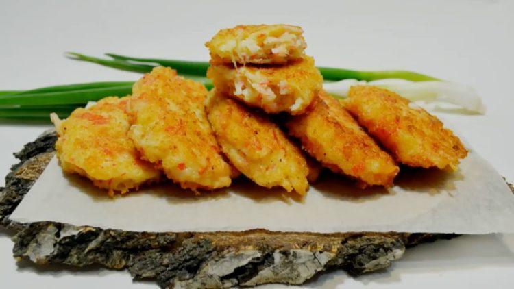 Котлеты из крабовых палочек с сыром: пошаговый рецепт с фото