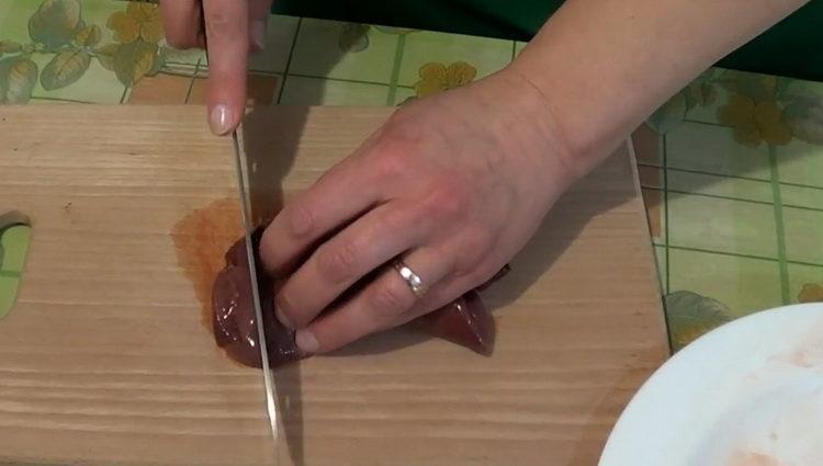 Как готовить печень свиная жареная с луком