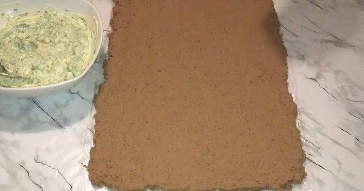 раскатайте пласт печени