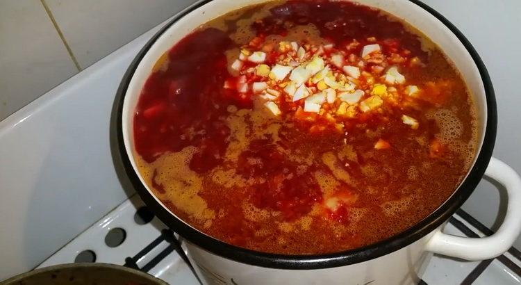 Как научиться готовить вкусный горячий свекольник по классическому рецепту