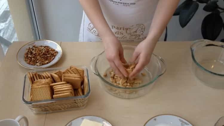 Готовим шоколадную колбаску из печенья
