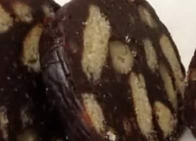 Шоколадная колбаска из печенья — очень вкусный десерт за 10 минут 🍫