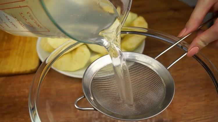 Для приготовления штруделя подготовьте воду