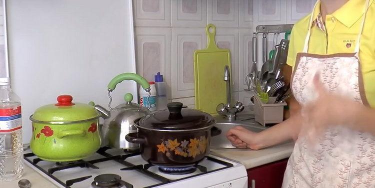 Для приготовления свеклы подготовьте посуду