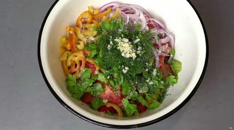 отправляем все овощи в миску