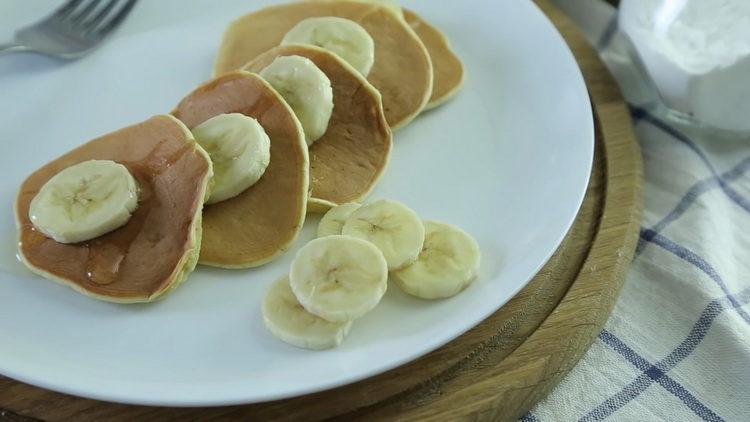 Банановые оладьи без муки и сахара