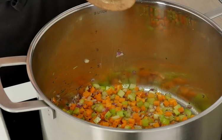 отправляем специи к овощам