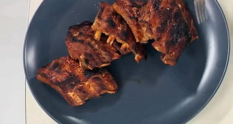 свиные ребрышки в духовке готовы