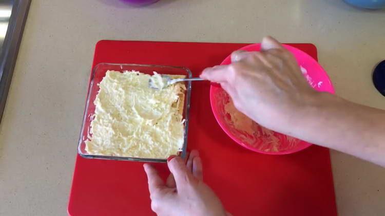 смешиваем сыр с майонезом