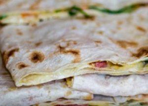 Делаем простые и вкусные бутерброды из лаваша по пошаговому рецепту с фото.