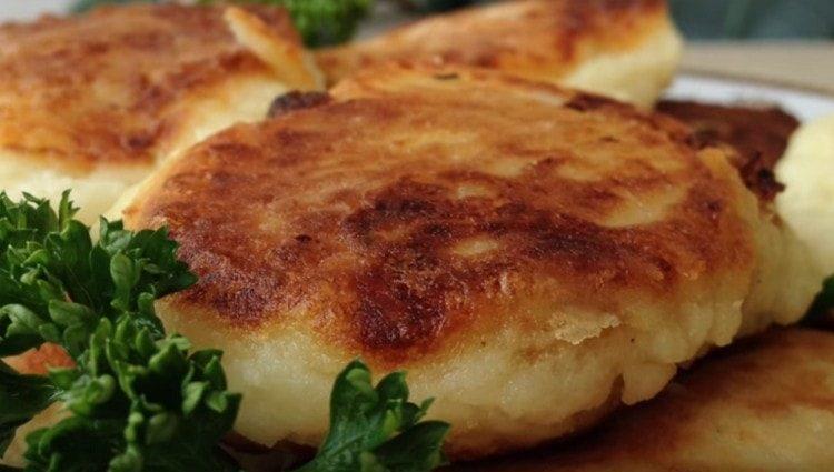 Картофельные зразы в духовке готовить удобно, а получаются они очень вкусными.