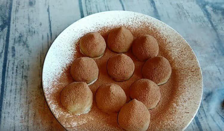 такой рецепт из кокосовой муки наверняка понравится сладкоежкам.
