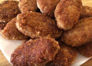 Готовим румяные и сочные котлеты в панировочных сухарях по пошаговому рецепту с фото.