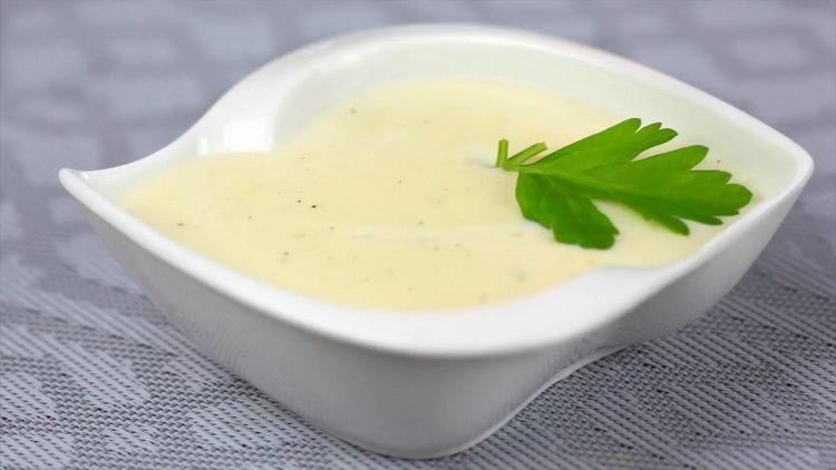 белый соус приготовленный по простому рецепту готов