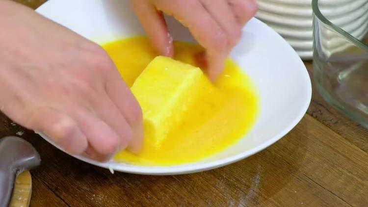 обволакиваем крем в яйце