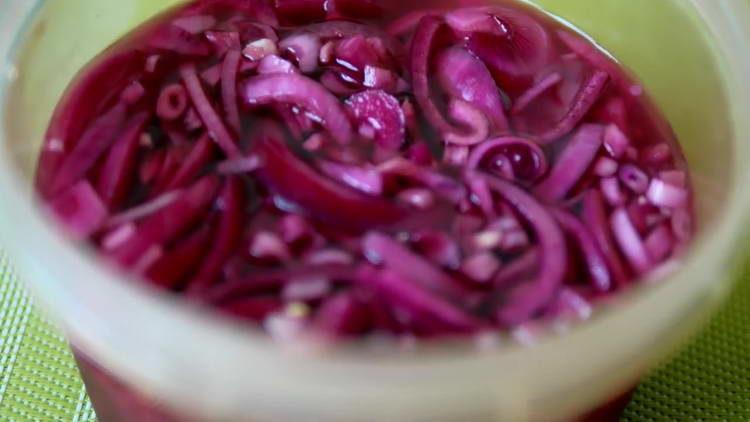 маринованный красный лук
