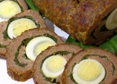 Мясной рулет с яйцом 🥝 и шпинатом