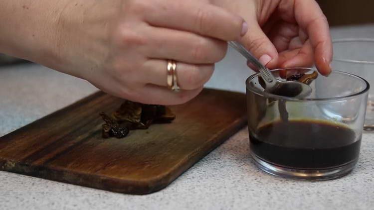 промываем сухие грибы