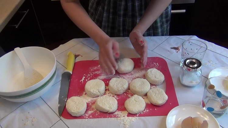 формируем сырники