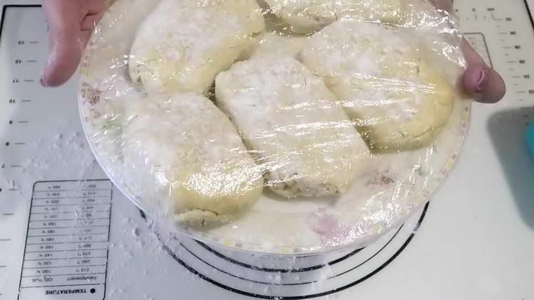 выкладываем кусочки на блюдо